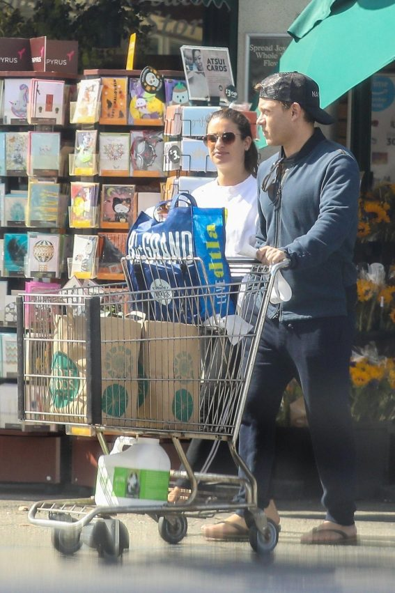 Lea Michele Shopping at Whole Foods in Los Angeles 2018/10/07 1