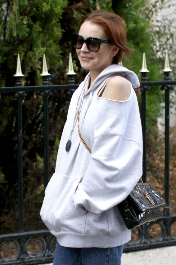 Lindsay Lohan Out and About in Paris 2018/10/01 1