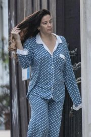 Liv Tyler in Her Pajamas Out in London 2018/10/10 3