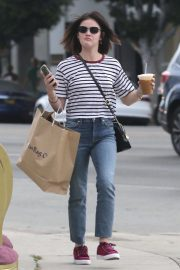 Lucy Hale Out Shopping in Los Angeles 2018/09/30 2