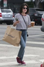 Lucy Hale Out Shopping in Los Angeles 2018/09/30 3