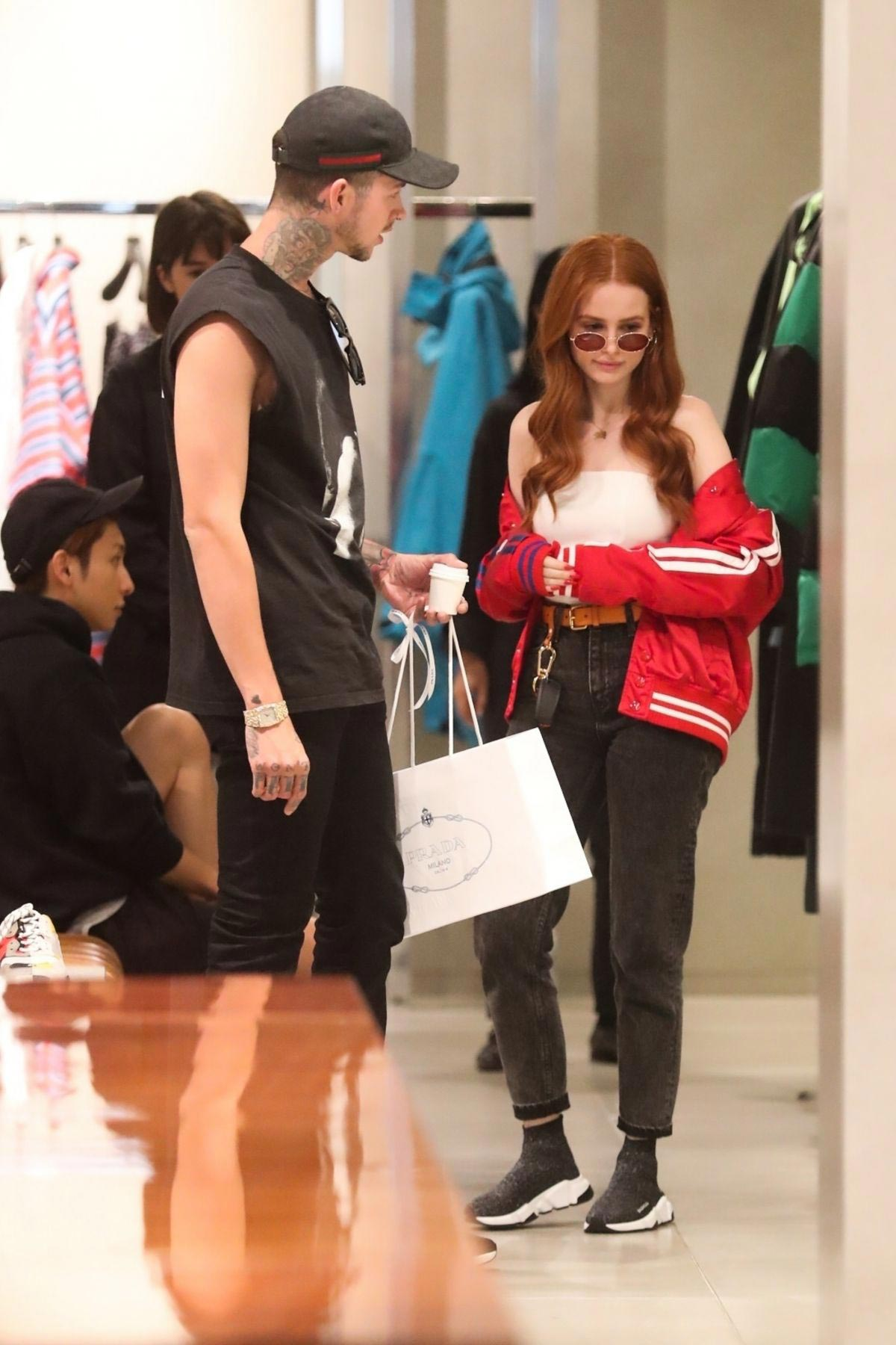Madelaine Petsch Out Shopping in Beverly Hills 2018/10/12 1