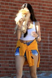 Madison Beer Out with Her Dog in West Hollywood 2018/10/16 7