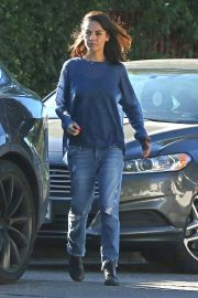Mila Kunis Out for Coffees in Los Angeles 2018/10/16 4