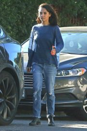 Mila Kunis Out for Coffees in Los Angeles 2018/10/16 5