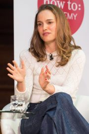 Natalie Portman in Conversation with Yuval Noah Harari at Central Hall Westminster in London 2018/09/27 3