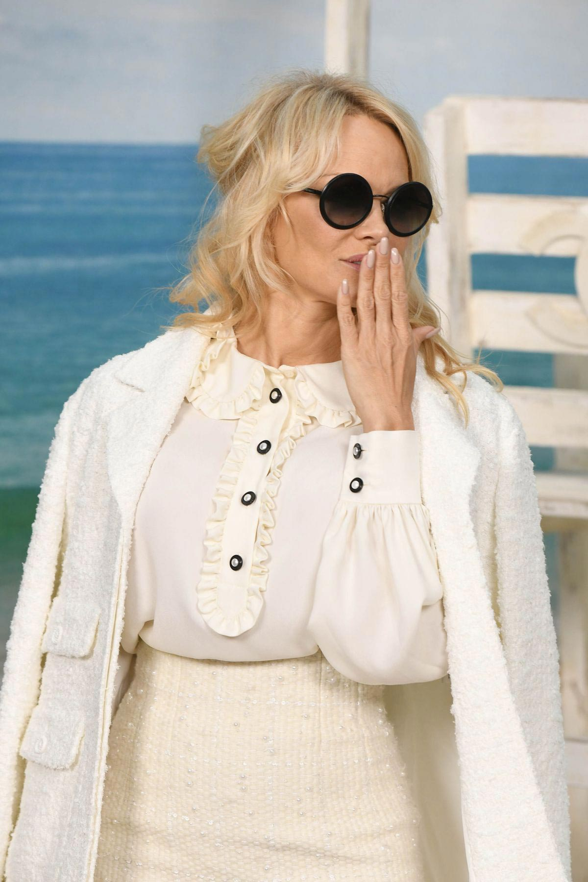 Pamela Anderson at Chanel Fashion Show at PFW in Paris 2018/10/02 2