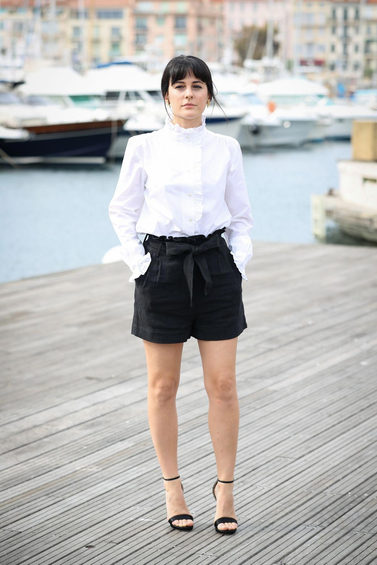 Phoebe Fox at Curfew Photocall at 2018 MIPCOM in Cannes 2018/10/15 1