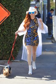 Phoebe Price Out with Her Dog in Beverly Hills 2018/10/19 4