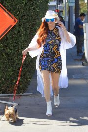 Phoebe Price Out with Her Dog in Beverly Hills 2018/10/19 7
