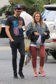 Pregnant Hilary Duff and Matthew Koma Out for Breakfast in Studio City 2018/10/02 10