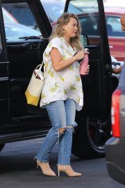 Pregnant Hilary Duff Arrives at Appointment in Los Angeles 2018/10/08 7