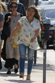 Pregnant Hilary Duff Out for Lunch in Los Angeles 2018/10/08 2