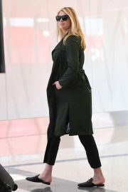 Pregnant Kate Upton at LAX Airport in Los Angeles 2018/09/30 5