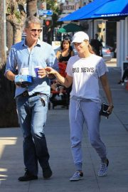 Selma Blair Out for Coffee in Studio City 2018/10/08 4