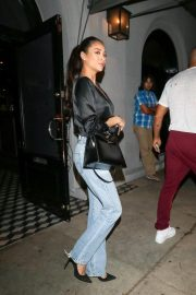 Shay Mitchell at Craig's Restaurant in West Hollywood 2018/10/18 4