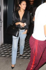 Shay Mitchell Leaves Craig's in West Hollywood 2018/10/18 1