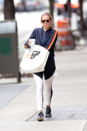 Sienna Miller Out for a Coffee in New York 2018/10/01 4