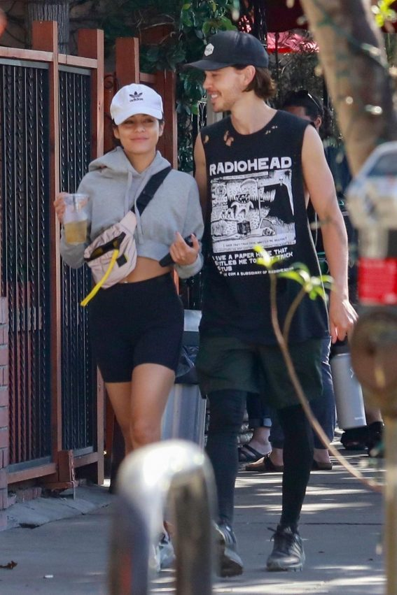 Vanessa Hudgens and Austin Butler Out for Lunch in Studio City 2018/10/08 1
