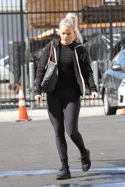 Witney Carson Arrives at DWTS Practice in Los Angeles 2018/10/20 6