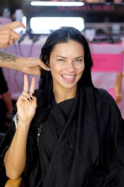 Adriana Lima on The Backstage of Victoria's Secret Fashion Show in New York 2018/11/08 3