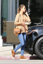 Alessandra Ambrosio Leaves Pacific Coast Sports Medicine in Brentwood 2018/11/08 3