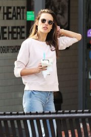 Alessandra Ambrosio Out and About in Pacific Palisades 2018/11/17 7