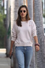 Alessandra Ambrosio Out and About in Pacific Palisades 2018/11/17 9
