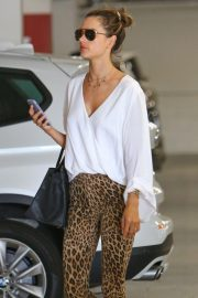 Alessandra Ambrosio Out Shopping in Century City 2018/11/06 9