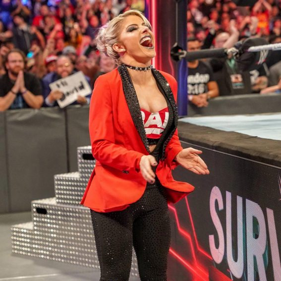 Alexa Bliss at WWE Survivor Series in Los Angeles 2018/11/18 1