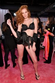 Alexina Graham on the Backstage of Victoria's Secret Fashion Show in New York 2018/11/08 1