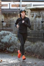 Amanda Holden Out Jogging in London 2018/11/13 1