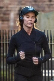 Amanda Holden Out Jogging in London 2018/11/13 4