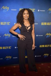 Angela Bassett at Alvin Ailey American Dance Theater's 60th Anniversary Gala in New York 2018/11/28 1