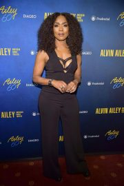 Angela Bassett at Alvin Ailey American Dance Theater's 60th Anniversary Gala in New York 2018/11/28 6