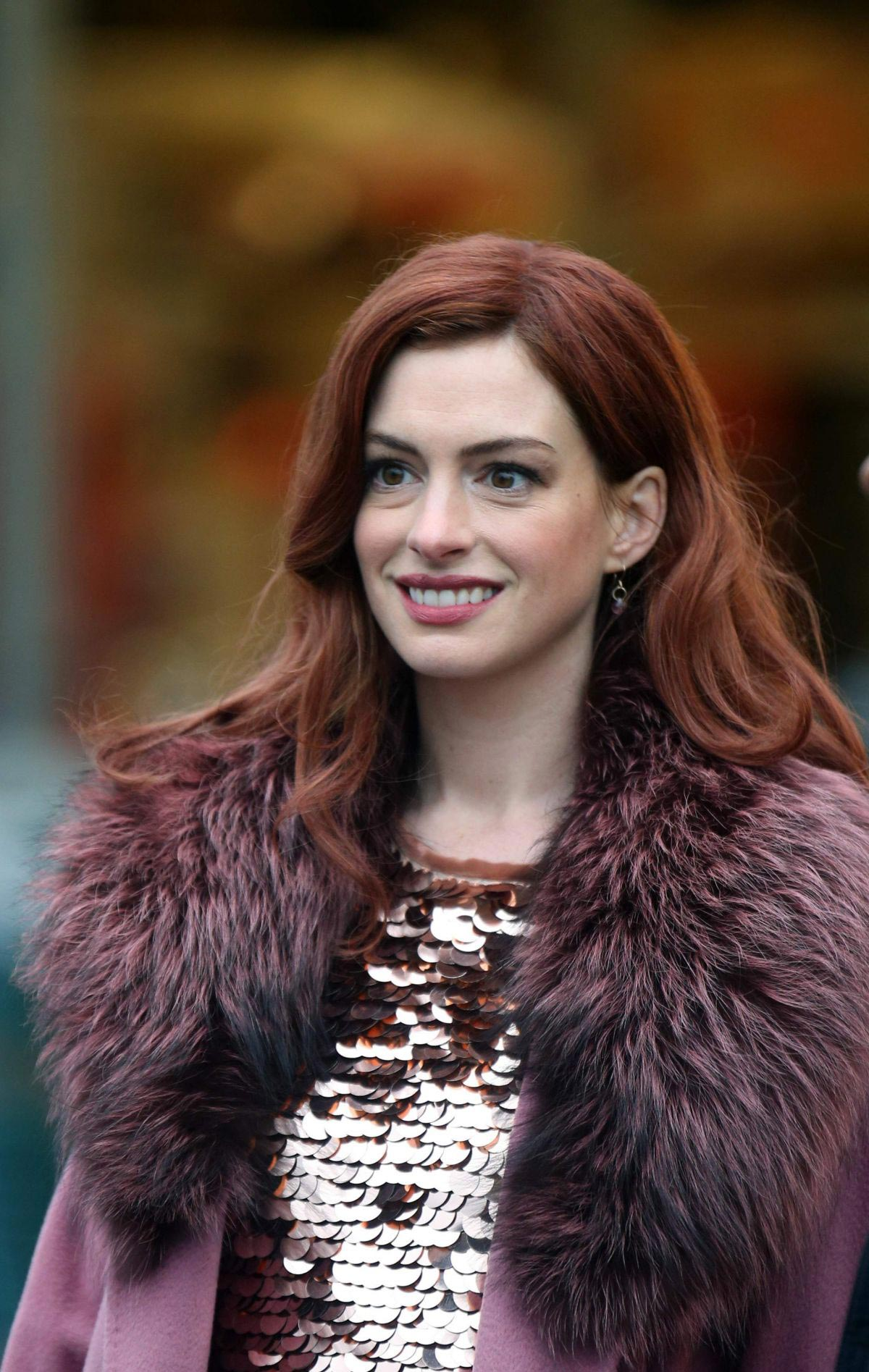 Anne Hathaway on a the Set of Modern Love in Brooklyn 2018/11/26 1