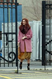 Anne Hathaway on a the Set of Modern Love in Brooklyn 2018/11/26 7