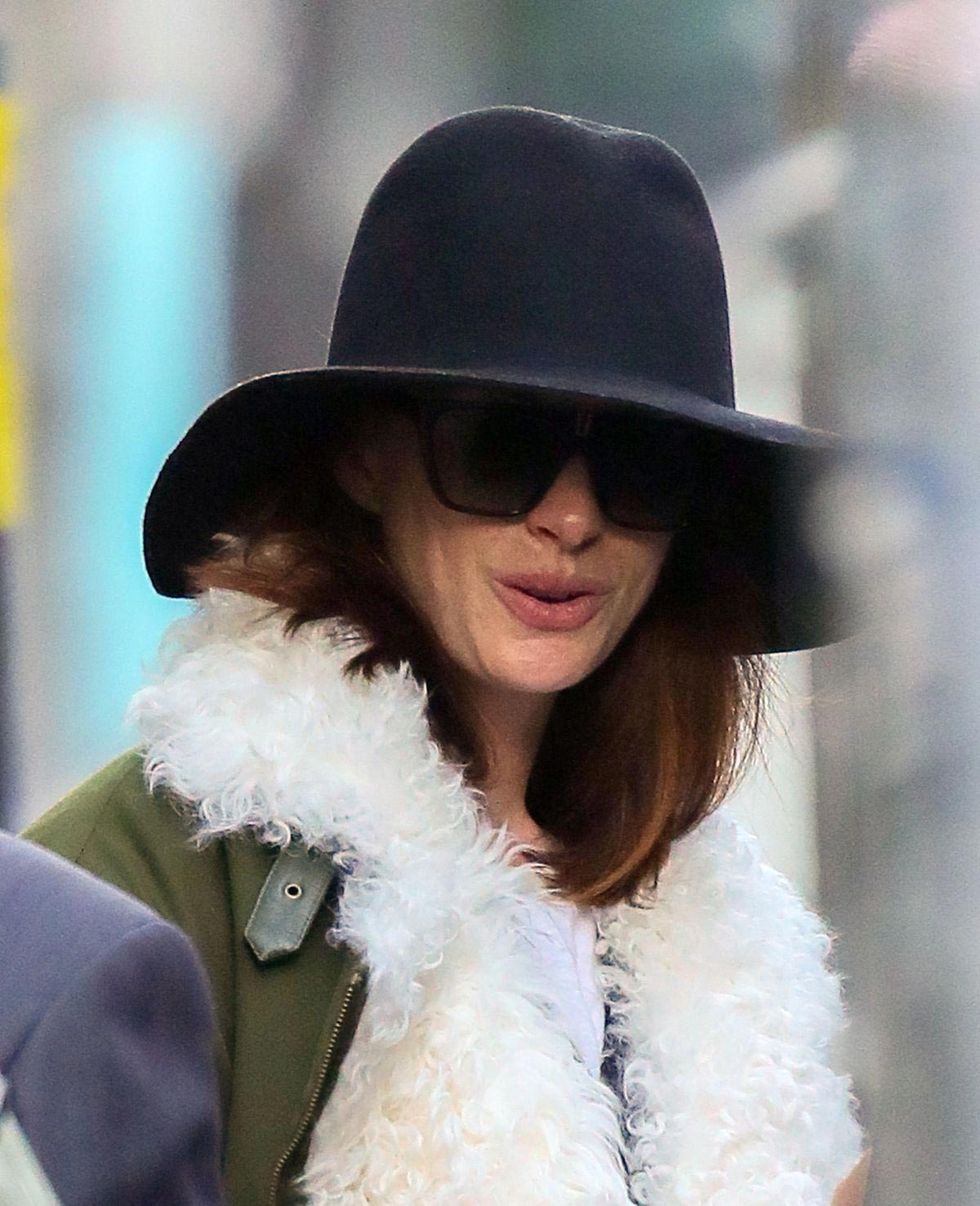 Anne Hathaway Out in New York 2018/11/20 1