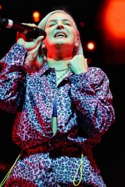 Anne-Marie at Hits Radio Live in Manchester 2018/11/25 3