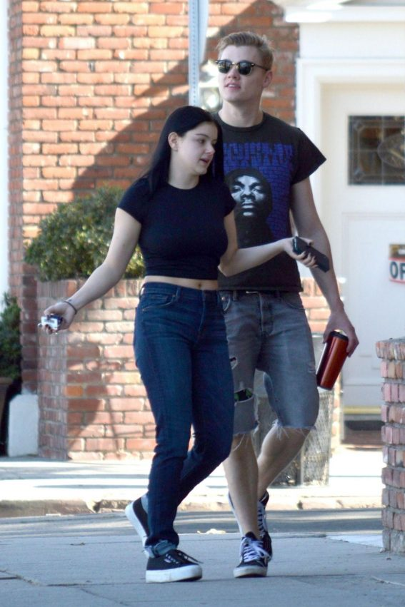 Ariel Winter and Levi Meaden Out in Studio City 2018/11/15 1