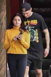 Ariel Winter Out for Lunch in Studio City 2018/11/01 4