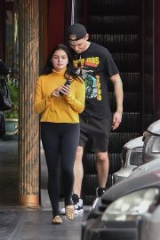 Ariel Winter Out for Lunch in Studio City 2018/11/01 6
