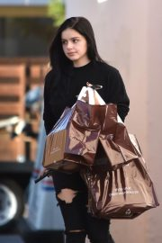 Ariel Winter Shopping at Papyrus in Studio City 2018/11/08 3