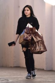 Ariel Winter Shopping at Papyrus in Studio City 2018/11/08 5