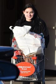 Ariel Winter Shopping at Papyrus in Studio City 2018/11/08 7