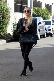 Ashlee Simpson Leaves a Gym in Studio City 2018/11/13 1