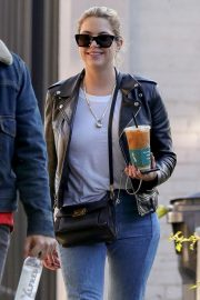 Ashley Benson Out for Coffee in West Hollywood 2018/11/05 1