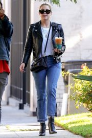 Ashley Benson Out for Coffee in West Hollywood 2018/11/05 4