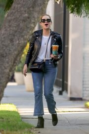 Ashley Benson Out for Coffee in West Hollywood 2018/11/05 6