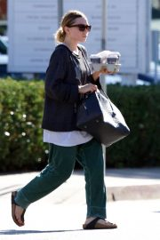 Ashley Olsen Out for Coffee in Los Angeles 2018/11/03 2